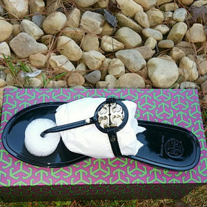 New in box Tory Burch Mini miller flat sandal sz 8